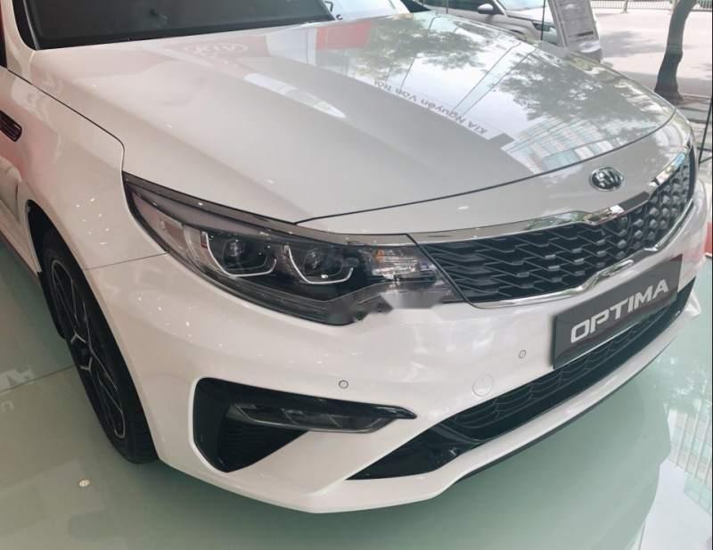 Bán xe Kia Optima 2.4GTL 2019, màu trắng-4
