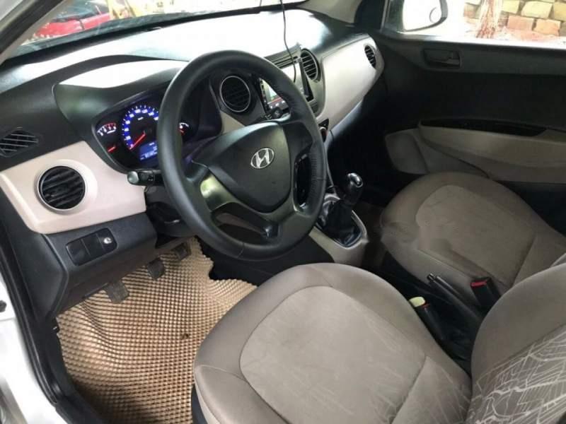 Bán Hyundai Grand i10 đời 2015, màu bạc-4
