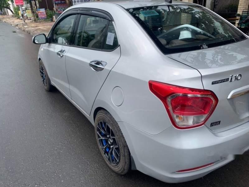 Bán Hyundai Grand i10 đời 2015, màu bạc-3