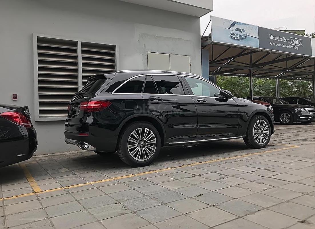Cần bán xe Mercedes GLC 250 4Matic đời 2019, màu đen (2)