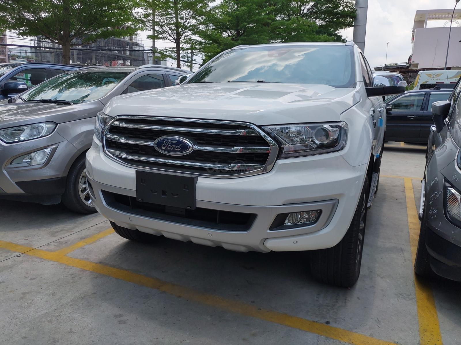Ford Everest nhập khẩu nguyên chiếc Thái Lan, quà tặng khủng, giá chỉ từ 979tr-6