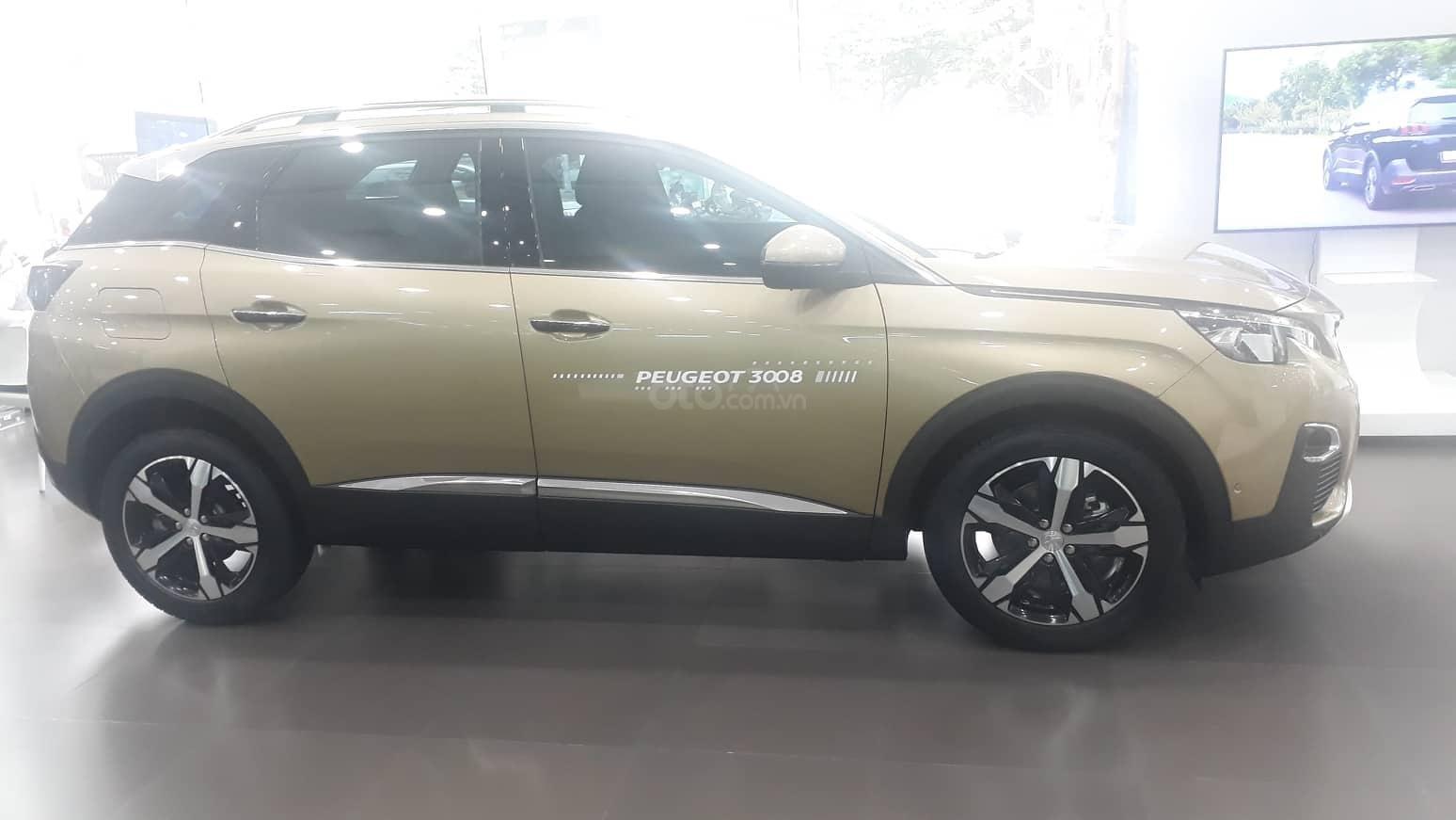Bán xe Peugeot 3008 All New đời 2019, màu vàng-4