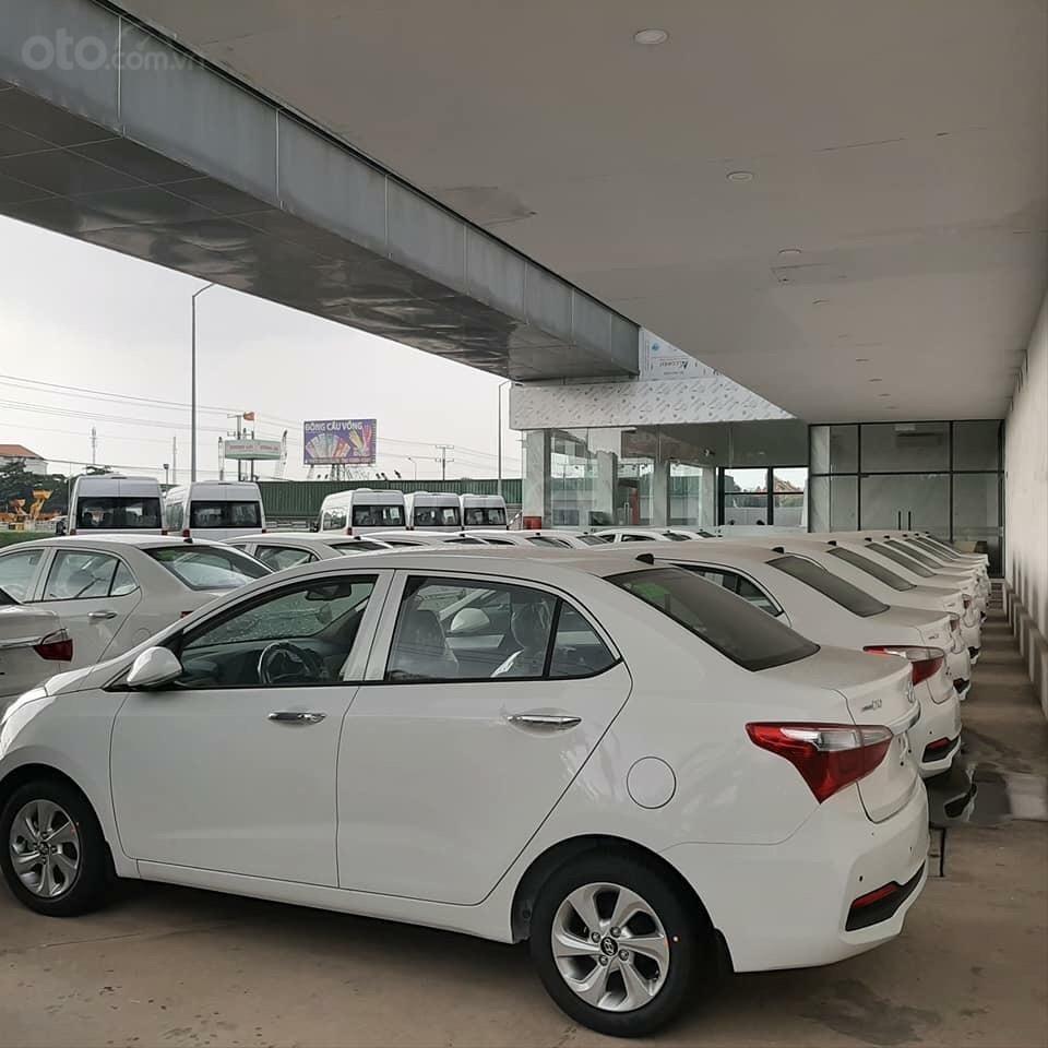 Cần bán Hyundai Grand i10 đời 2019, sẵn xe đủ màu giao ngay, tặng phụ kiện hấp dẫn, LH Mr Ân : 0939493259 (6)