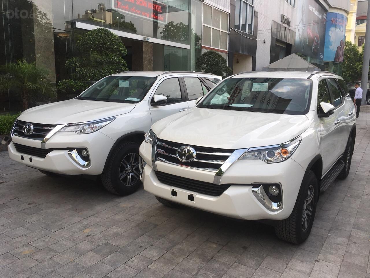 Bán ô tô Toyota Fortuner máy xăng/dầu năm 2019, xe nhập/lắp rắp, giao xe ngay-0