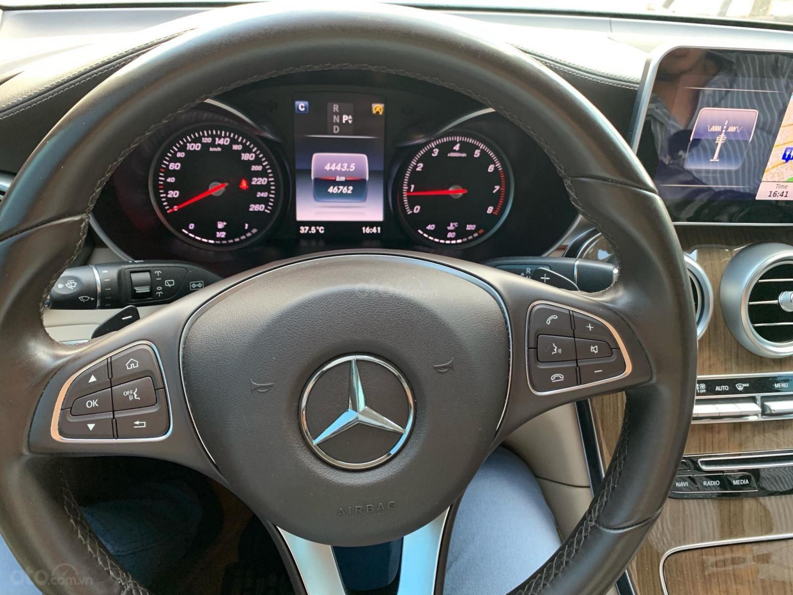 Bán xe Mercedes GLC 250 Silver Diamond xe như mới (6)