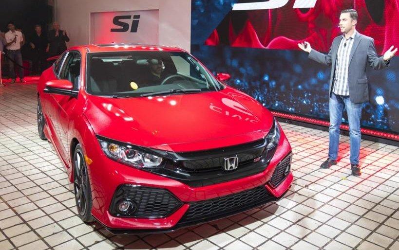 Honda Civic Si là mẫu xe ô tô thể thao giá rẻ được nhiều khách hàng trẻ yêu thích.