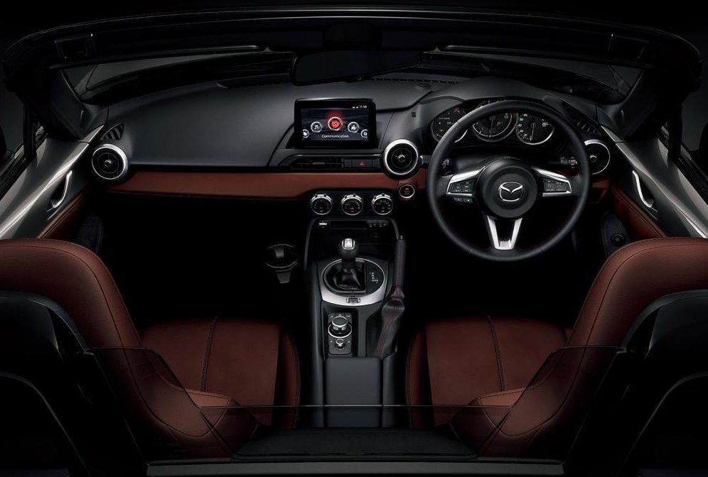 Nội thất của mẫu xe thể thao nổi bật Mazda MX-5 Miata Sport .