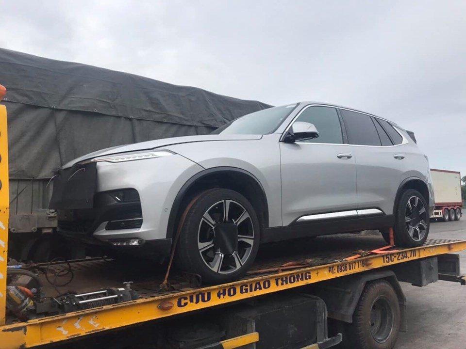 VinFast LUX SA2.0 xuất hiện khu vực biên giới, xuất khẩu sang Trung Quốc? a1