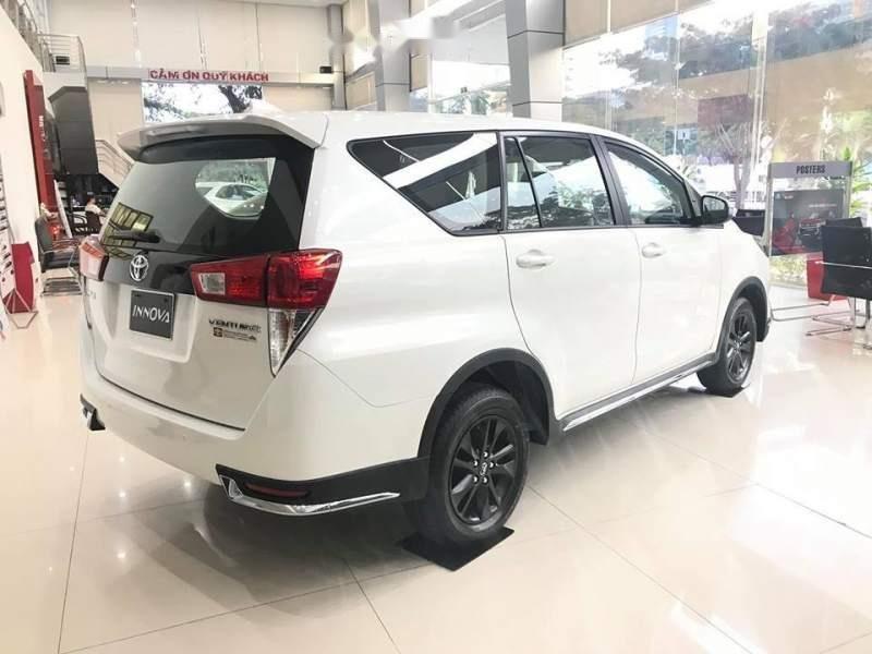Bán xe Toyota Innova E năm sản xuất 2019, màu trắng-2