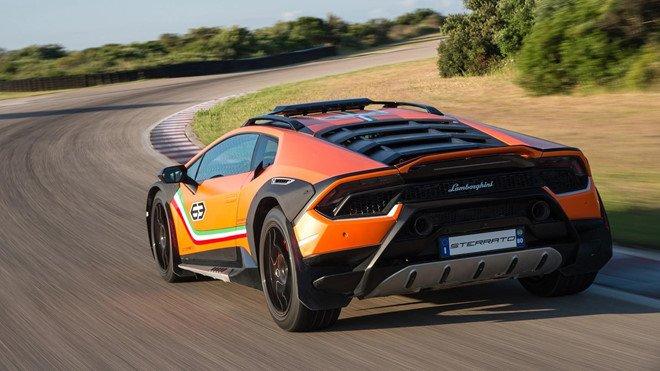 Lamborghini Huracan Sterrato sẽ được sản xuất đại trà với tư cách siêu xe địa hình a3