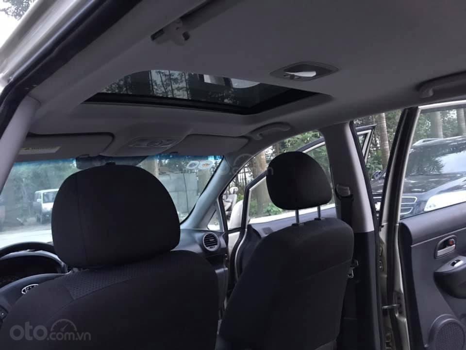 Bán xe Kia Carens 2.0AT 2.0AT, 7 chỗ, sản xuất 2009 màu vàng sâm banh, xe chạy ít, chính chủ biển HN-8