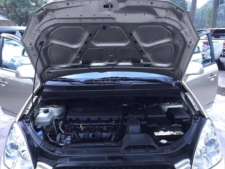 Bán xe Kia Carens 2.0AT 2.0AT, 7 chỗ, sản xuất 2009 màu vàng sâm banh, xe chạy ít, chính chủ biển HN-14