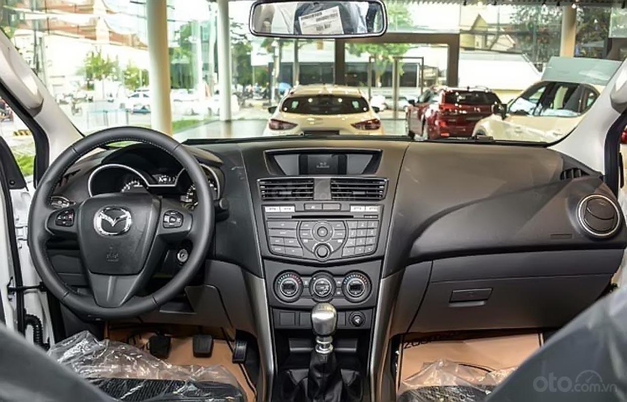 Cần bán xe Mazda BT 50 2.2L 4x4 MT năm 2019, màu trắng, nhập khẩu -1