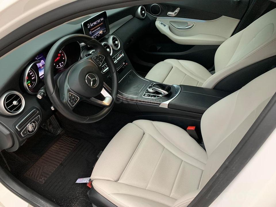 Bán xe Mercedes C200 trắng 2017 cũ chính hãng giá tốt. Trả trước 450 triệu nhận xe ngay-5
