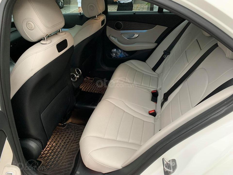 Bán xe Mercedes C200 trắng 2017 cũ chính hãng giá tốt. Trả trước 450 triệu nhận xe ngay-6