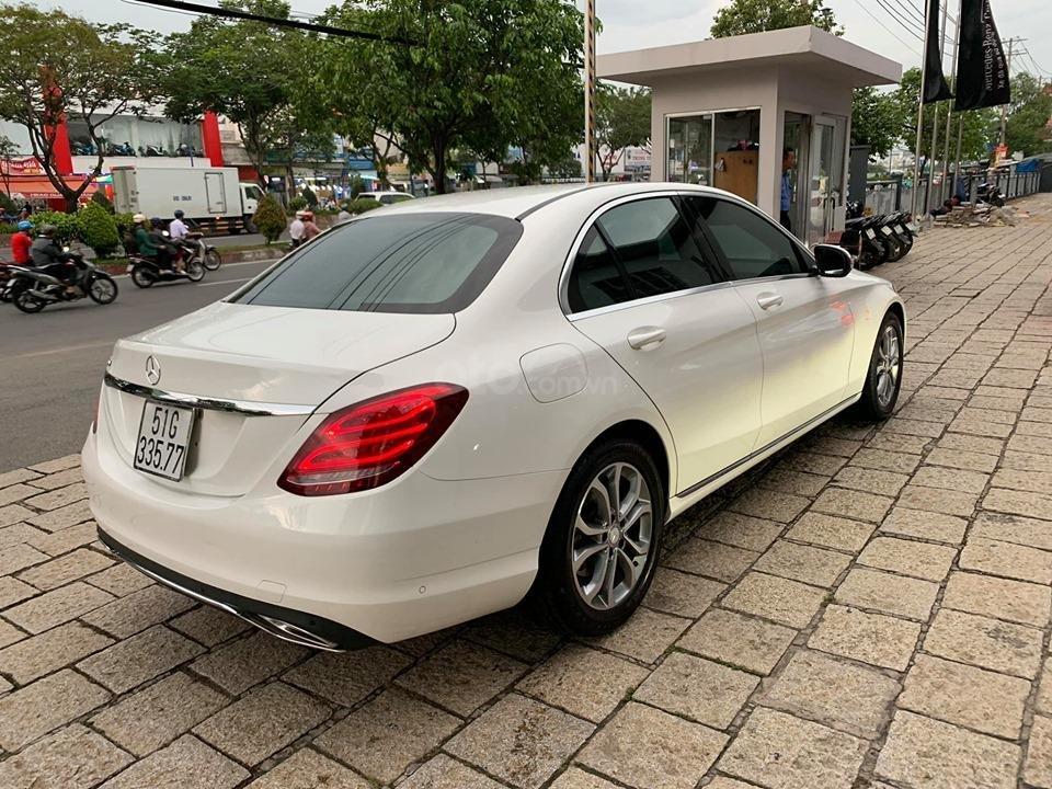 Bán xe Mercedes C200 trắng 2017 cũ chính hãng giá tốt. Trả trước 450 triệu nhận xe ngay-9
