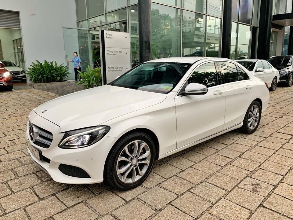 Bán xe Mercedes C200 trắng 2017 cũ chính hãng giá tốt. Trả trước 450 triệu nhận xe ngay-10