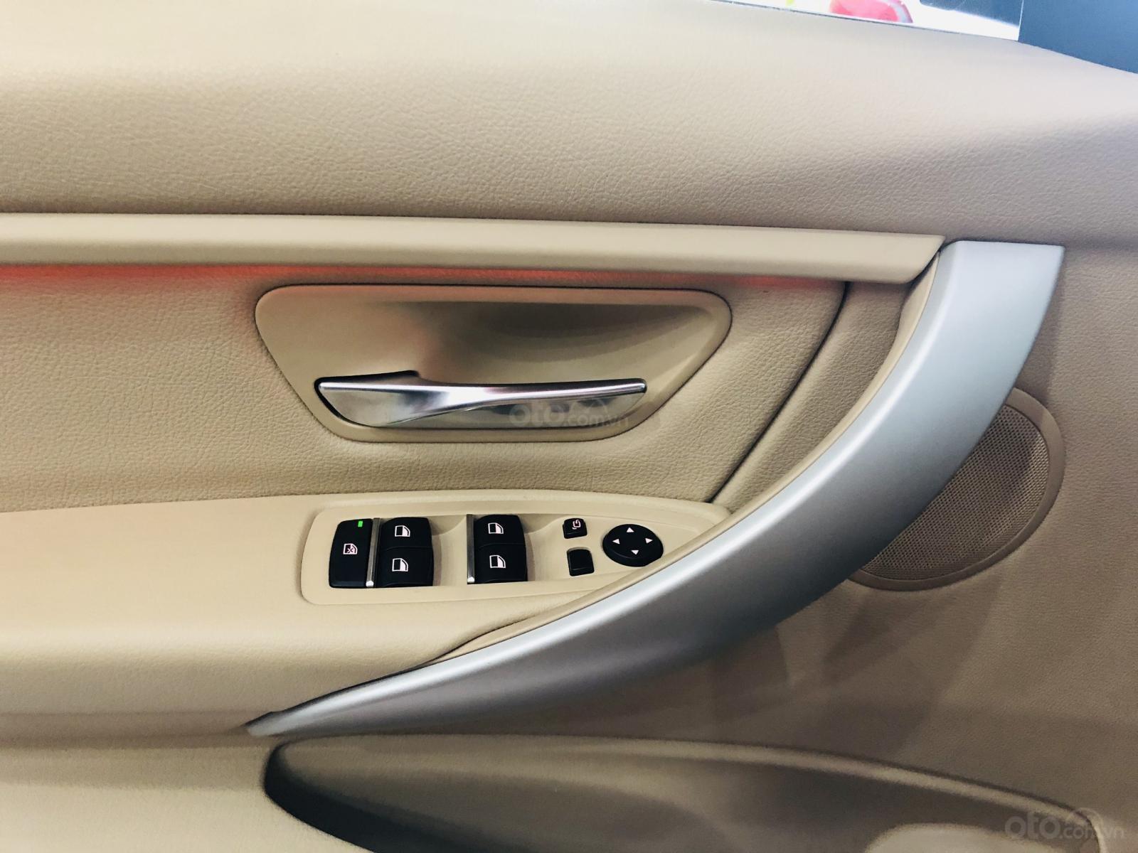 Bán BMW 320i sản xuất 2016 nâu nội thất kem, xe đẹp đi đúng 12.000km cam kết xe không lỗi bao kiểm tra hãng (7)
