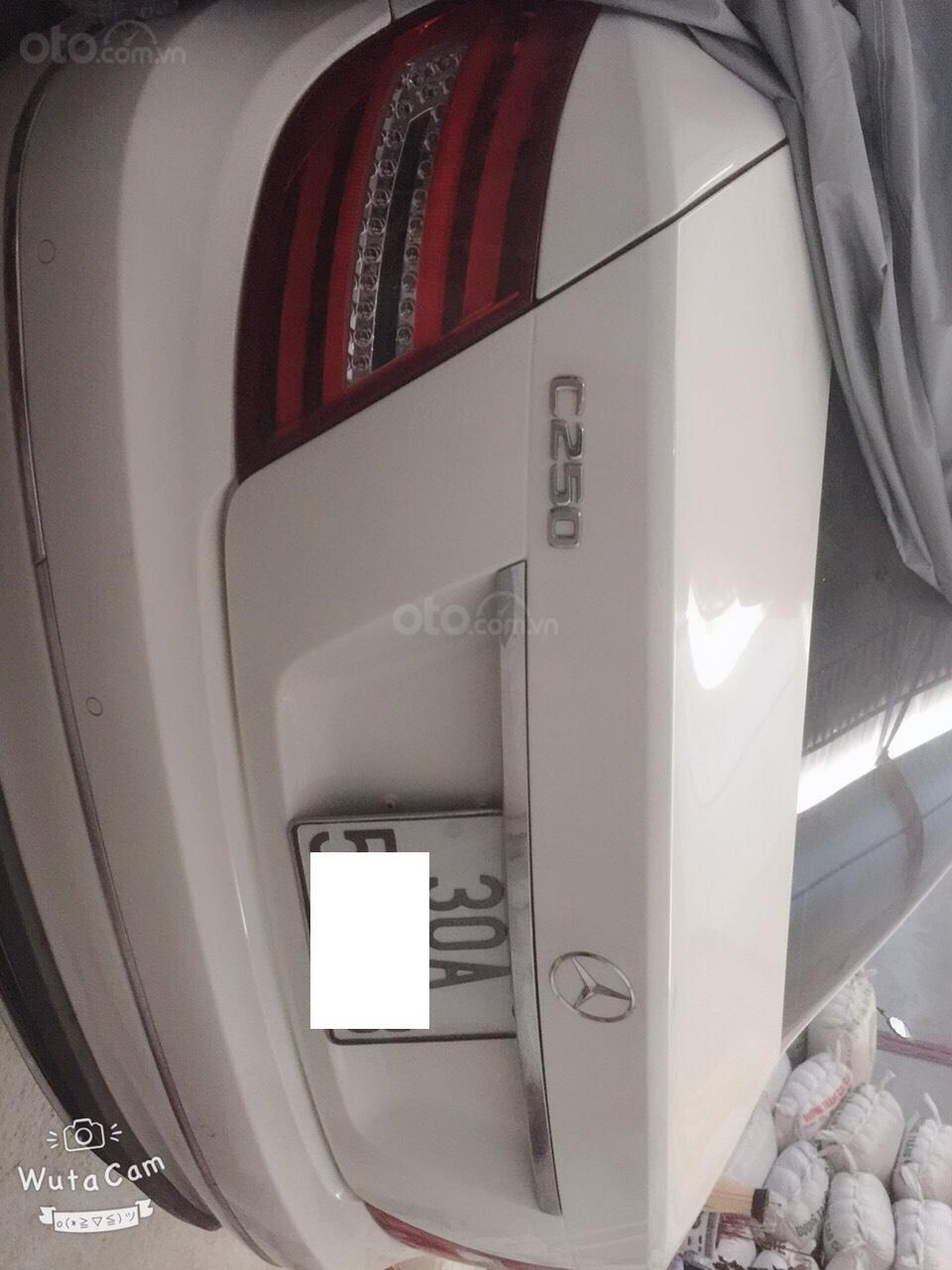 Bán Mercedes C250 1.8 AT đời 2014, màu trắng chính chủ-2