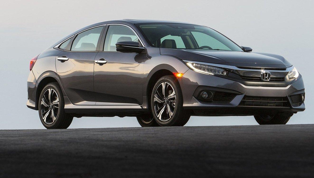 Honda Civic lọt top 5 mẫu xe ô tô tiết kiệm xăng nhất hiện nay.