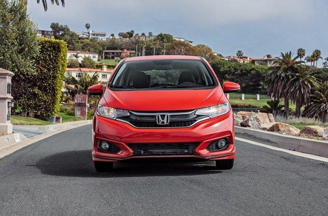 Mức tiêu thụ nhiên liệu của Honda Fit: 7,13/5,88/6,53 lít/100km (đô thị/cao tốc/hỗn hợp).