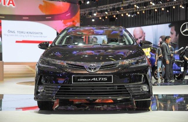Toyota Corolla Altis tại Việt Nam.