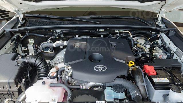 Thông số kỹ thuật xe Toyota Hilux 2019 tại Việt Nam 6a
