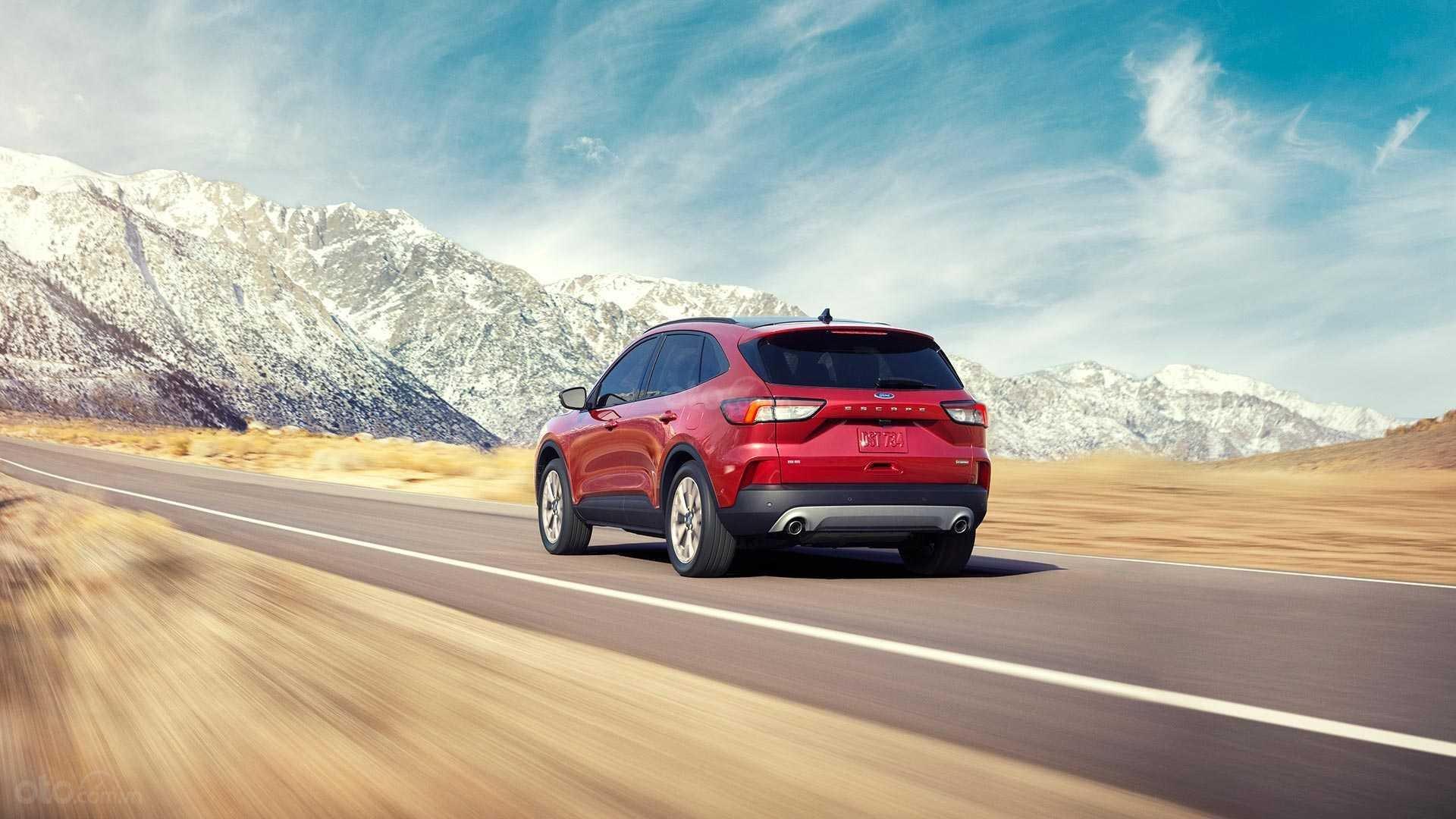 Đánh giá xe Ford Escape 2020 về thiết kế động cơ.