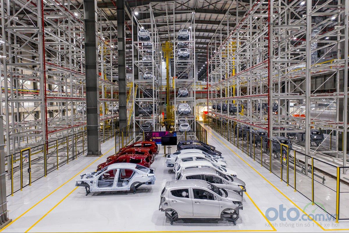 Xưởng hàn của nhà máy ô tô VinFast 4.