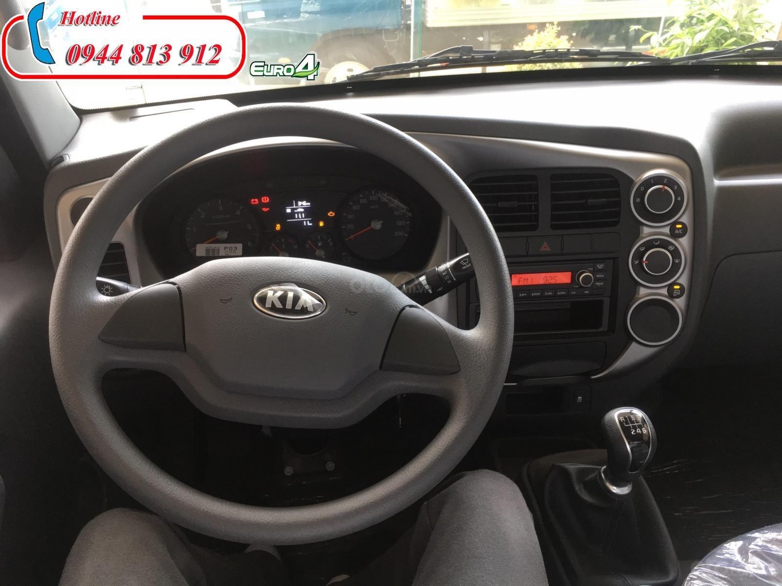 Xe tải 2 tấn, động cơ Hyundai, thùng kín - Thaco Kia K200 - Giao xe ngay tại Bình Dương - LH: 0944 813 912-3