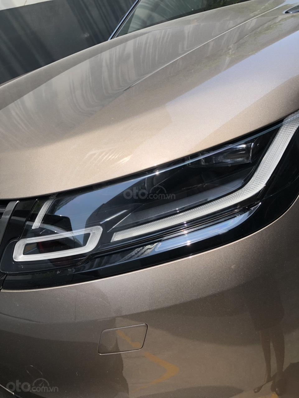 Chính chủ bán LandRover Range Rover Velar đời 2019, màu vàng đồng, xe nhập chính hãng, giá tốt (2)