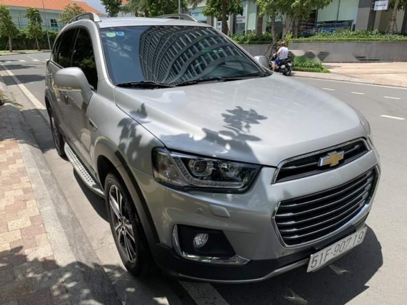 Cần bán Chevrolet Captiva Revv 2016, màu bạc (3)