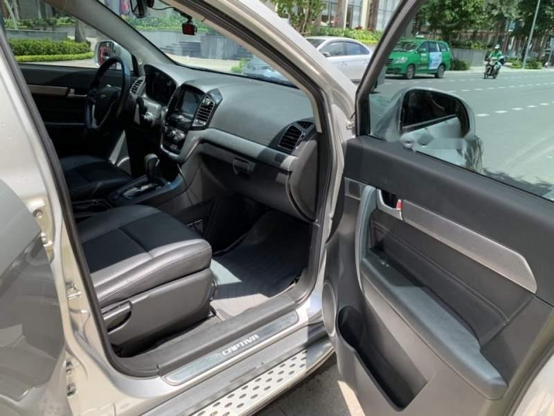 Cần bán Chevrolet Captiva Revv 2016, màu bạc (5)