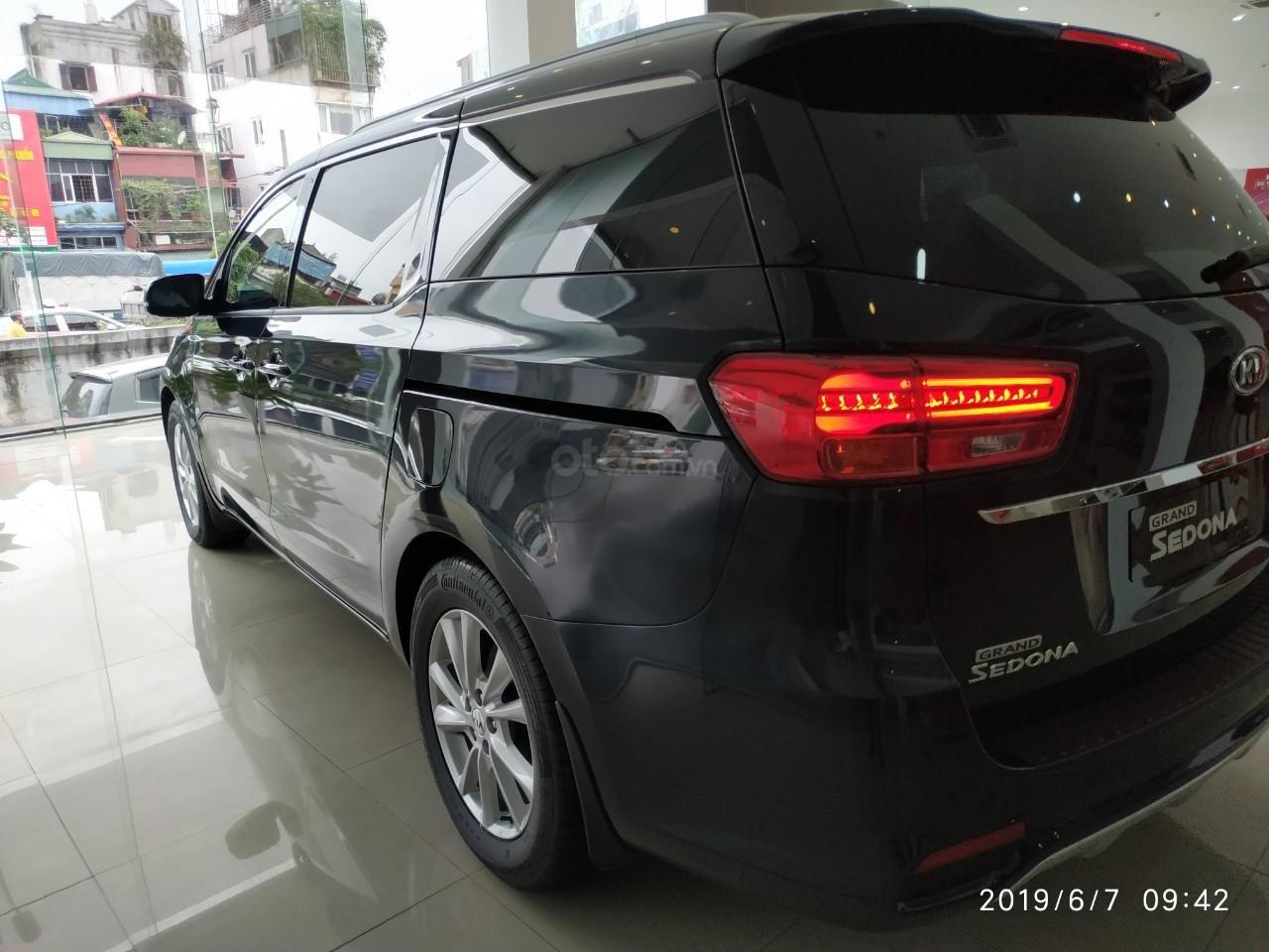 Bán ô tô Kia Sedona Luxury, Platinum D, Platinum G sản xuất năm 2019, màu xanh lam (5)