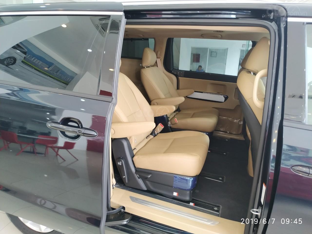Bán ô tô Kia Sedona Luxury, Platinum D, Platinum G sản xuất năm 2019, màu xanh lam (10)