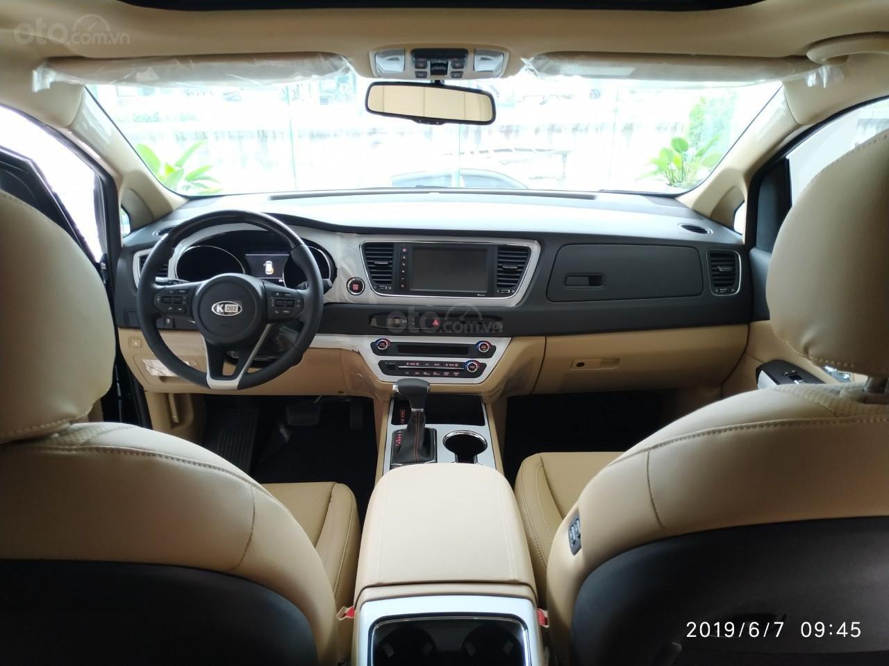 Bán ô tô Kia Sedona Luxury, Platinum D, Platinum G sản xuất năm 2019, màu xanh lam (11)