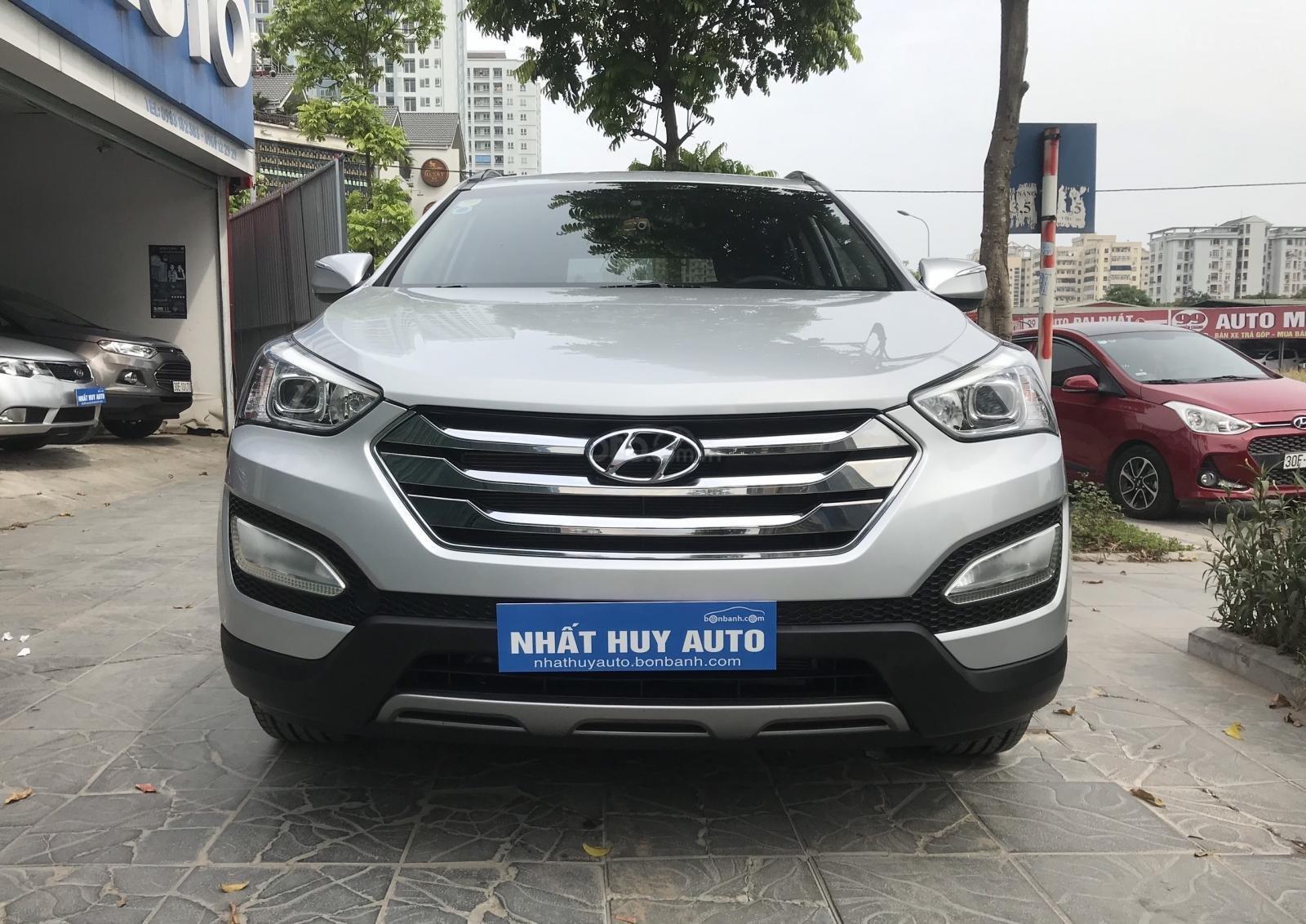 Cần bán Hyundai Santa Fe 2.4 AT năm sản xuất 2013, màu bạc, nhập khẩu nguyên chiếc-1