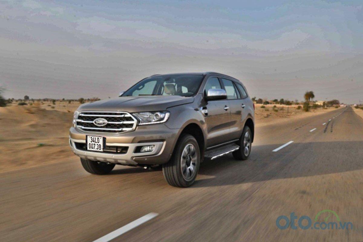Đánh giá xe Ford Everest Titanium 2.0L Bi-Turbo 2019: vận hành 1.