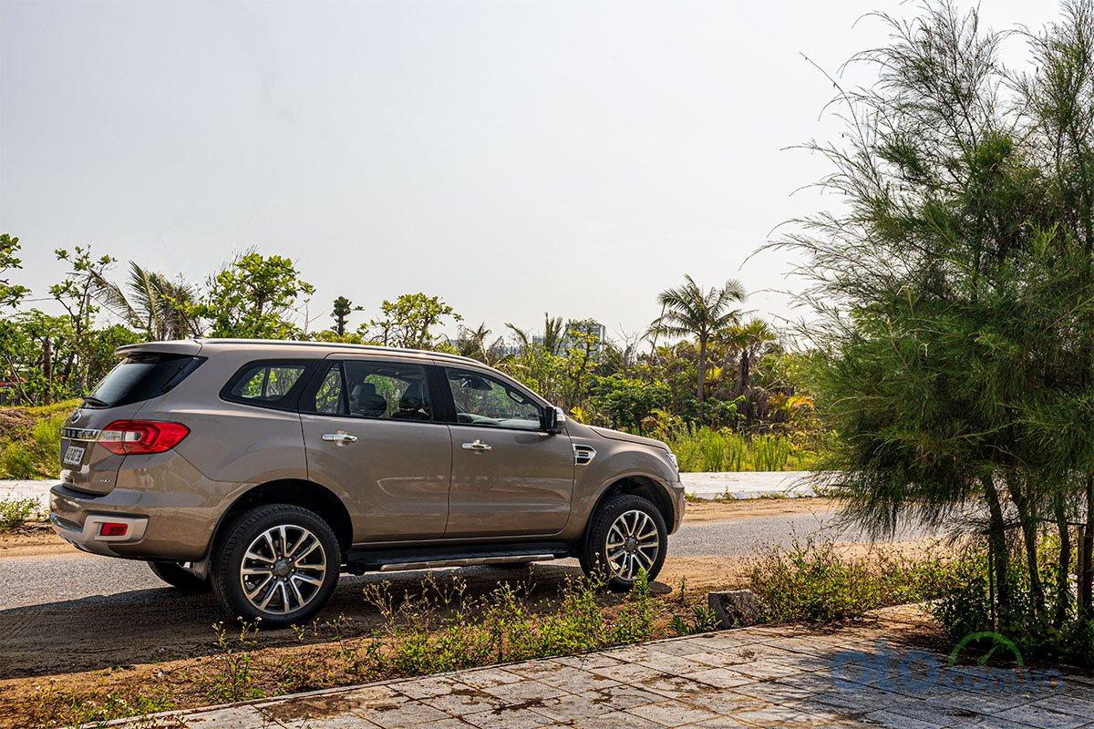 Đánh giá xe Ford Everest Titanium 2.0L Bi-Turbo 2019 1.