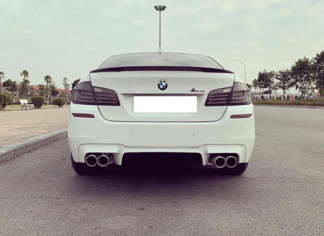 Cần bán gấp BMW 5 Series 520i 2016, màu trắng, ĐKLĐ 2017 (2)
