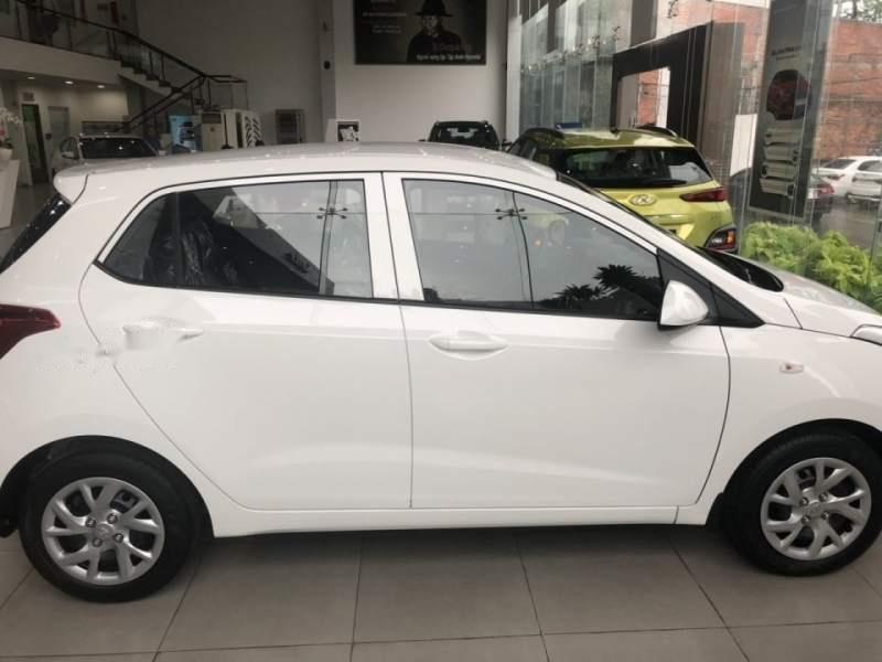 Bán xe Hyundai Grand i10 đời 2019, màu trắng, 330tr-0