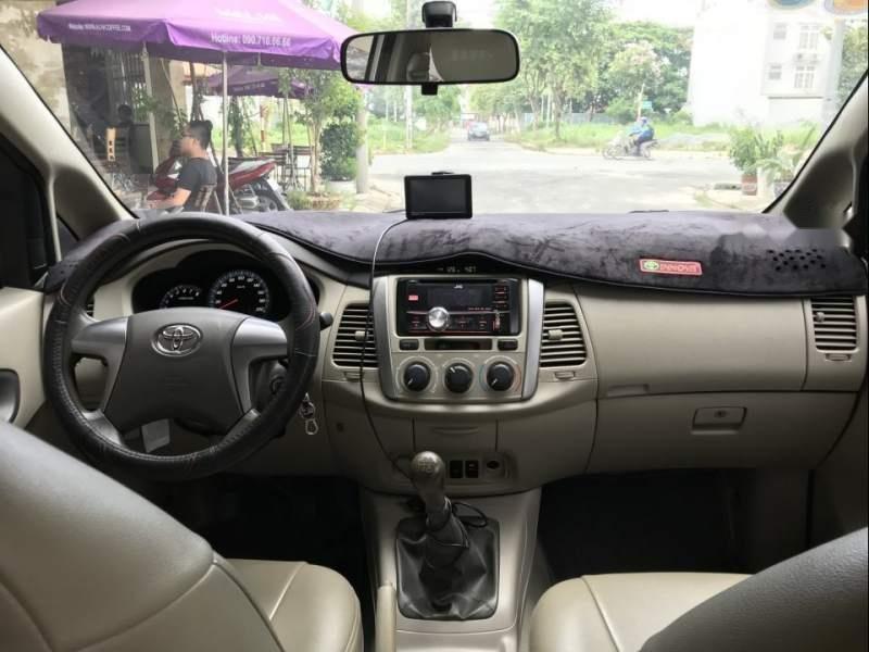 Bán ô tô Toyota Innova E năm sản xuất 2015, xe gia đình (4)