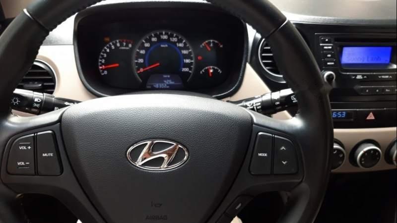 Bán Hyundai Grand i10 2015, màu bạc, tư nhân 1 chủ tứ đầu, số sàn, màu bạc đủ đồ-3