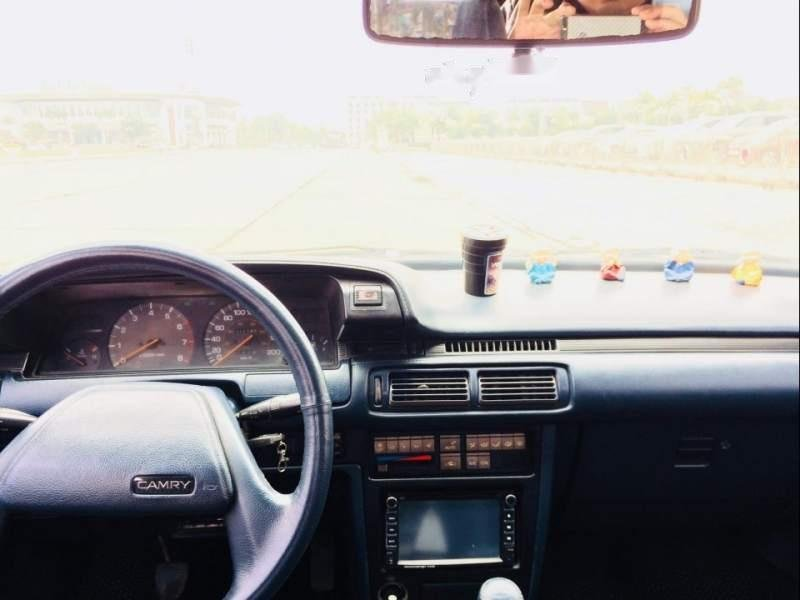 Bán xe Camry đời 1987 nhập khẩu của Nhật Bản nguyên chiếc, màu xanh-1
