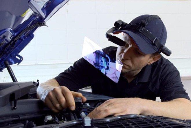 BMW chế tạo kính thông minh giúp kỹ thuật viên sửa xe nhanh hơn a1