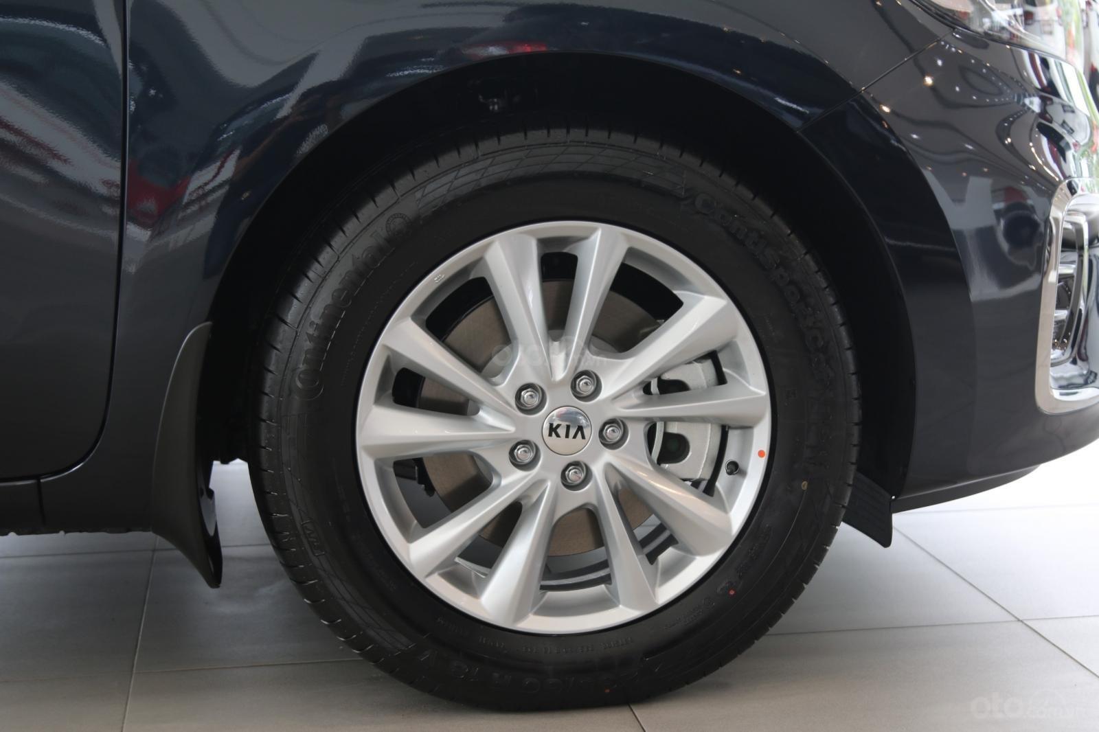 Kia Sedona - giảm giá tiền mặt / tặng bảo hiểm + camera hành trình - liên hệ PKD Kia Bình Tân 093 317 0660 (10)