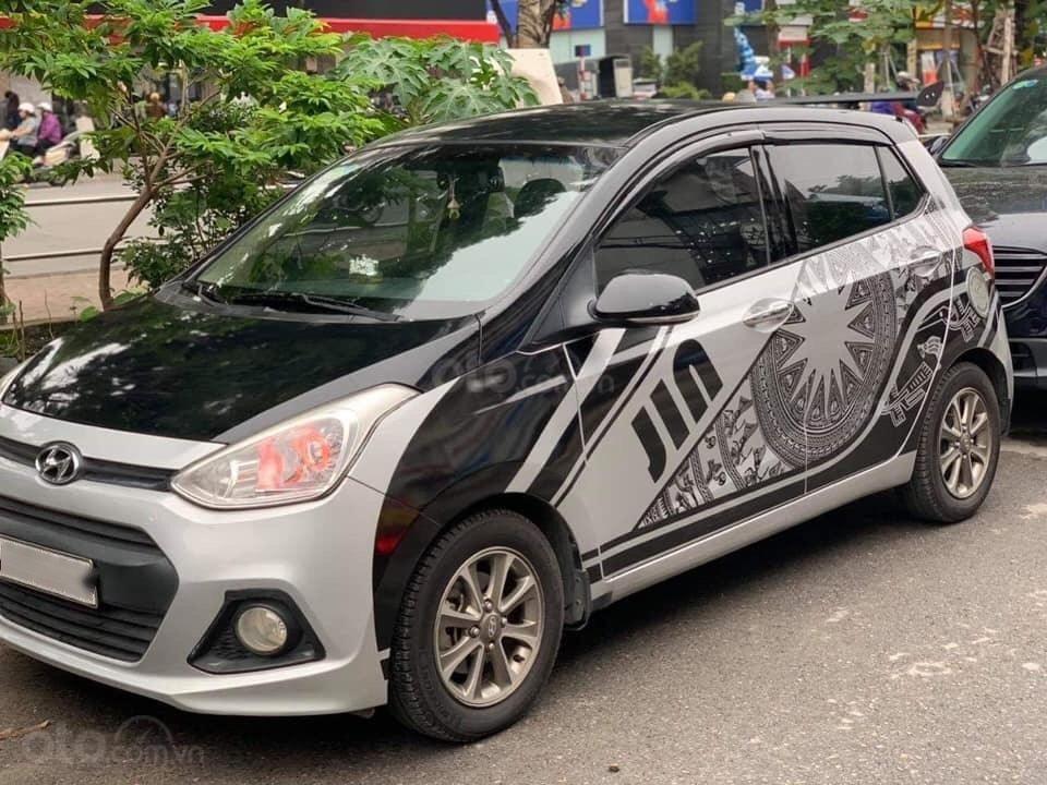 Bán gấp Hyundai Grand i10 đăng ký lần đầu 2015, màu bạc, nhập khẩu nguyên chiếc, giá chỉ 295triệu (1)