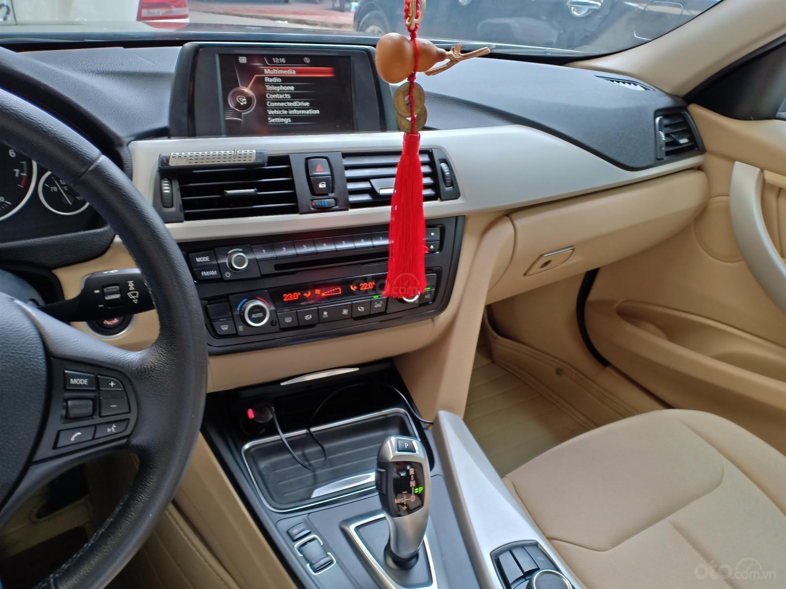 Cần bán xe BMW 3 Series 320i F30 đời 2015, màu nâu nhập Đức, 990tr-6