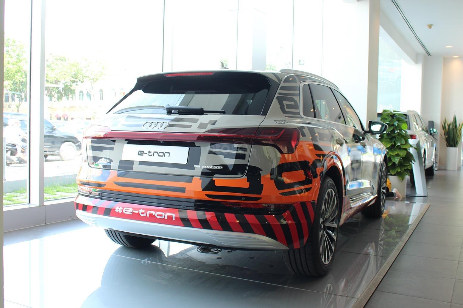 SUV điện Audi E-Tron chính thức cập bến showroom Audi Hồ Chí Minh 10