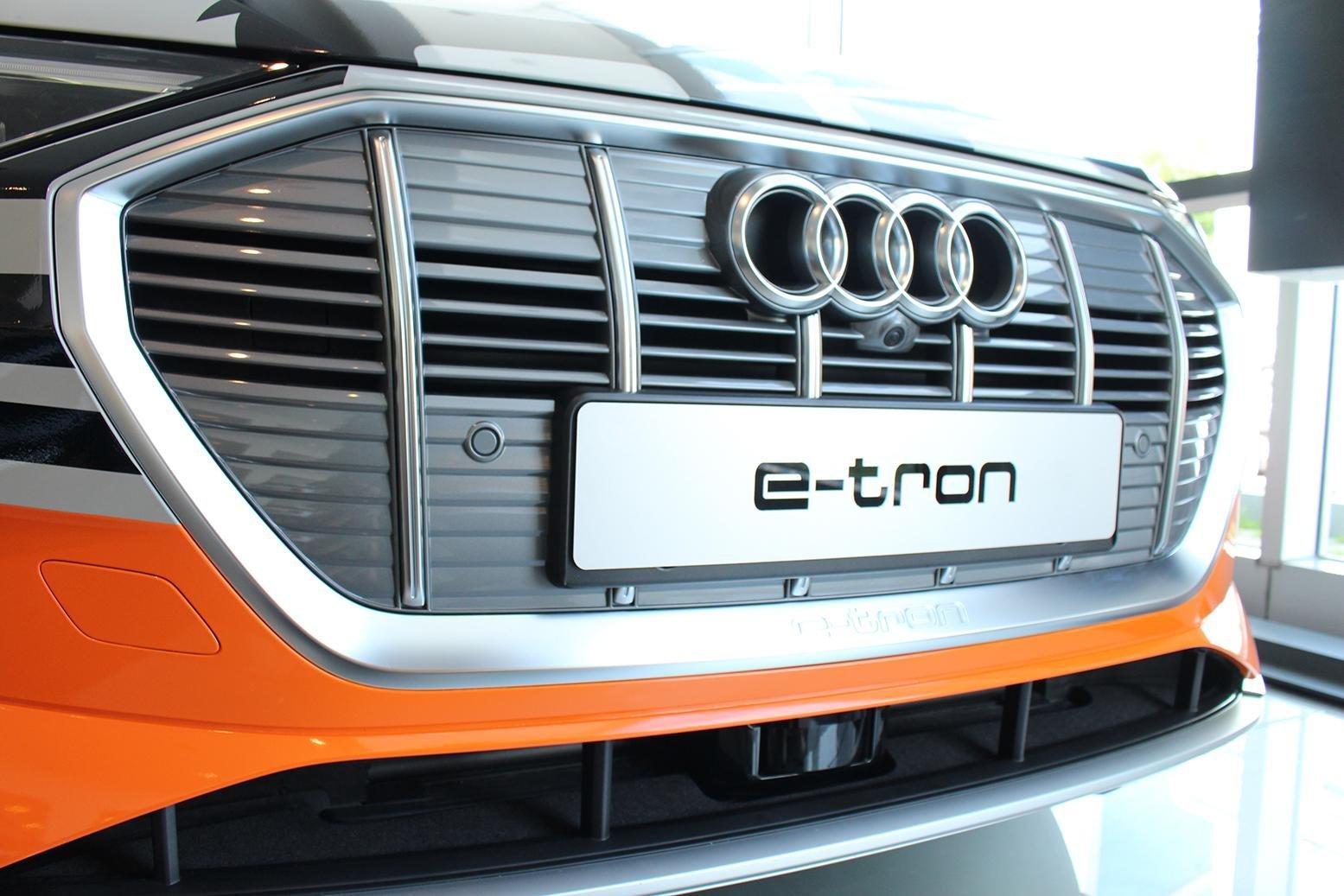 SUV điện Audi E-Tron chính thức cập bến showroom Audi Hồ Chí Minh 4
